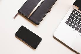 apple bureau photo gratuite apple ordinateur bureau iphone image gratuite