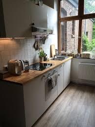 haus der küche aachen gepflegte küche in aachen mit großem fenster arbeitsplatte in