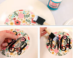 monogrammed plate diy monogrammed plates initial outfitters