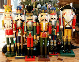 the big nutcrackers these vigilant soldiers all stand flickr