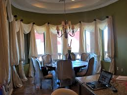 ritzy dining room design with elite calm curtains design in curve