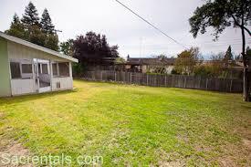 Enclosed Backyard 5661 Gerard Way Citrus Heights Sacrentals Com 916 454 6000