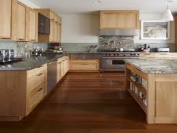 Kitchen Pictures With Maple Cabinets by Maple Kitchen Cabinets With Dark Wood Floors Home Improvement