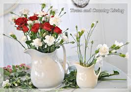 Arranging Roses In Vase Tips For Arranging Fresh Flowers Town U0026 Country Living