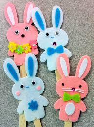 Easter Decorations With Construction Paper by Traditional Se Easter Decorations Along With Then Bunnies On