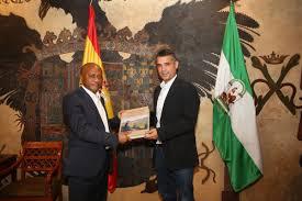 Guinea Ecuatorial Flag El Alcalde Recibe Al Ministro De Turismo De Guinea Ecuatorial