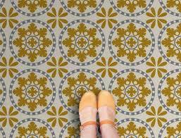 25 best vinyl flooring ideas on vinyl plank flooring
