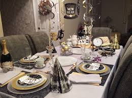 New Year S Eve Table Decor Ideas by 20 Sparkly New Year U0027s Eve Tablescapes Home Design Lover