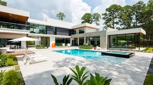 High Tech Houses by A Modern Smart Home Cantoni Houston