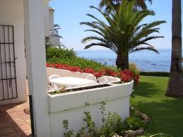 s26369 beach front 2 bedroom house with amazing sea views