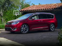 2017 chrysler pacifica first drive autoblog