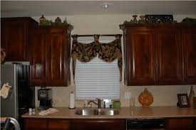 Kitchen Window Treatment Ideas Pictures by Kitchen Window Treatment Ideas Image Of Plaid Jacquard Swag