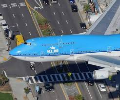 klm b747 airport runways taxiways and aprons pinterest