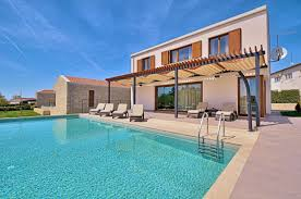 House With Pools Villa Gialla Modern Design House With Pool For Holidays In