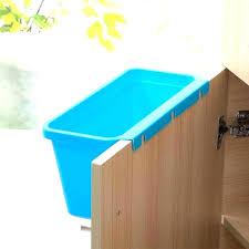 poubelle cuisine porte placard poubelle porte cheap mecanisme porte coulissante automatique