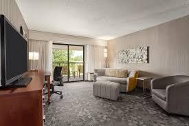 Comfort Inn And Suites Fenton Mi Comfort Inn U0026 Suites 17800 Silver Parkway Fenton Mi Comfort Inn