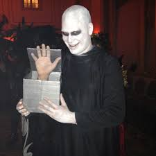 i decided to dress up as both uncle fester and thing from