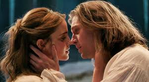 film remaja ciuman emma watson dan stevens di beauty and the beast jadi terfavorit