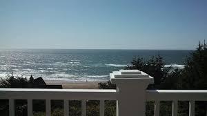 porthole beach house rental a1 beach rentals lincoln city oregon