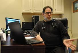 controversial addiction doctor gives up license news