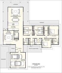 t shaped house floor plans t shaped plan with four bedrooms house plan 1 pinterest