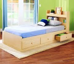 chambre enfant bois massif lit enfant bois massif lit enfant en bois de pin massif lune avec