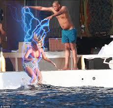 Jay Z Diving Memes - jay z taking a dive photoshopbattles