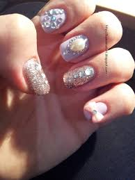kawaii nail art pearls glitter and rhinestone
