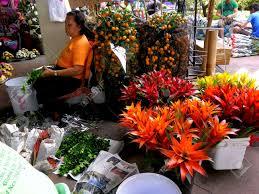 Flower Shops by Worker Of Flower Shops In Market Market In Bonifacio Global City