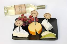 wine bottle cheese plate to host a wine and cheese party free printables