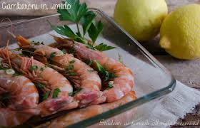 come cucinare i gamberoni congelati gamberoni in umido con limone e prezzemolo ricetta veloce