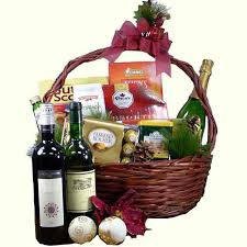 wine gifts delivered the pied piper wine gifts basket gourmet hers italy