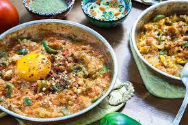 cuisine turc cuisine turque menemen dans une casserole en cuivre photographie