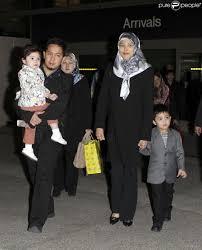 sultan hassanal bolkiah son prince azim en famille à hollywood après son réveillon avec
