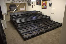 How To Decorate Home Theater Room Diy Pallet Home Theater Pallets Basements And Room