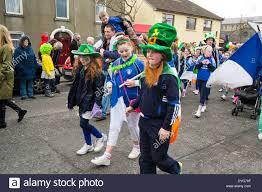 kids parade stock photos u0026 kids parade stock images alamy