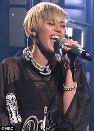 miley cyrus wows with two impressive musical performances on