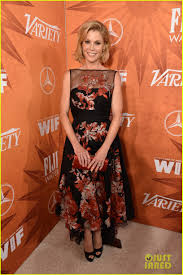 2015 Emmy Pre Parties Toofab by Julie Bowen U0026 Jane Krakowski Are Friendly Competition At Variety U0027s