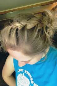 Cute Sporty Hairstyles Great Volleyball Hairstyle Volleyball Pinterest Volleyball