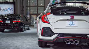 honda civic type r 2017 the 2017 honda civic type r likely costs less than 34 000 roadshow