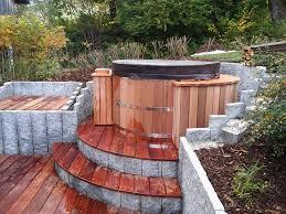 jacuzzi bois exterieur pour terrasse bains spa bois