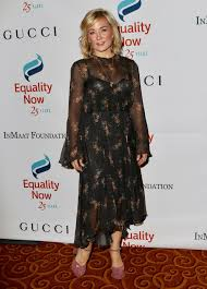 hairstyle of amy carlson carlson make equality reality gala in new york 10 30 2017