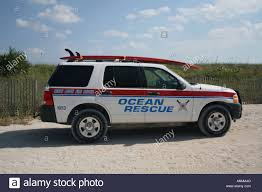 jeep with surfboard surf rescue car stock photos u0026 surf rescue car stock images alamy