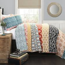 lush decor 3 bohemian stripe quilt set