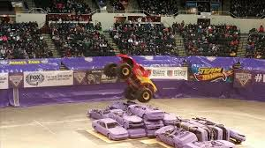 monster jam truck show 2015 mutt youtube jam monster truck show 2015 scoobydoo vs mutt youtube