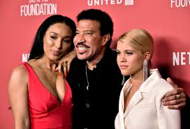lionel richie home lionel richie u0027s epic reaction to teenage daughter sofia dating