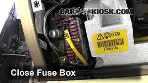 interior fuse box location 1994 1998 land rover discovery 1998