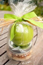 caramel apple party favors easy simple fall wedding favor ideas apples jar and favors
