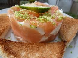canap au saumon fum et mascarpone millefeuille de saumon fumé au mascarpone la table de pascaloue