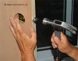 comment poser une porte de chambre comment installer une poignée de porte intérieure